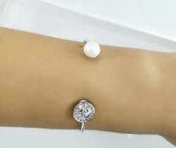 Bracelete  com zirconias em navete  uma perola de agua doce