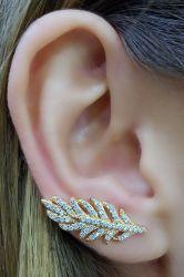 Brinco ear cuff folha folheado a ouro micro zirconia cravejada