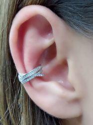 Ear clip trançado  micro zirconia cravejada