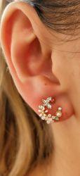 Brinco floral esmaltado com zirconia cravejada