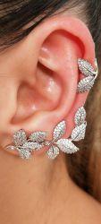 Brinco ear cuff  folhas de um lado só zirconia cravejada com ear clip
