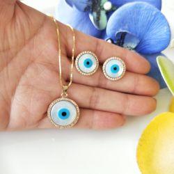 Conjunto colar e brinco olho grego ao redor micro zircônia transparente cravejada.
