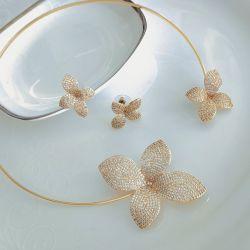 Conjunto colar e brinco festa folheado a ouro micro zircônia transparente cravejada.
