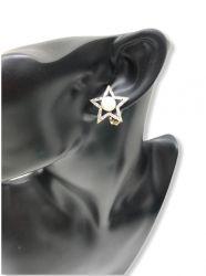 Brinco de pressão formato estrela vazado com uma pérola central ao redor pedra zircônia