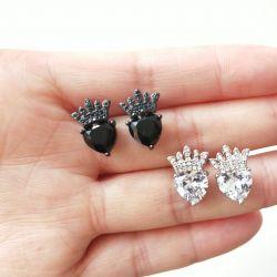 Brinco coração coroa pedras zircônias transparente cravejadas.