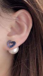 Brinco ear jacket =  2 em 1 coração vazado pedras cravejadas micro zircônias uma pérola branca.