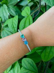 Bracelete 3 corações pedras cristal colorido ao redor pedras micro zircônias transparente