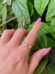 Anel banhado a ouro 18k detalhes flor e pérola pedras transparente cravejadas