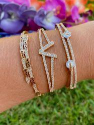 Bracelete V semijoa de alto luxo pedras cravejadas micro zircônias
