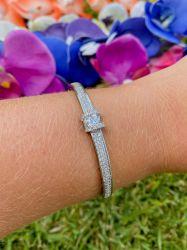 Bracelete detalhe pedras cravejadas micro zircônias transparente fecho gaveta