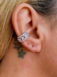Ear clip = Piercing fake banho de ródio pedras cravejadas zircônias transparente